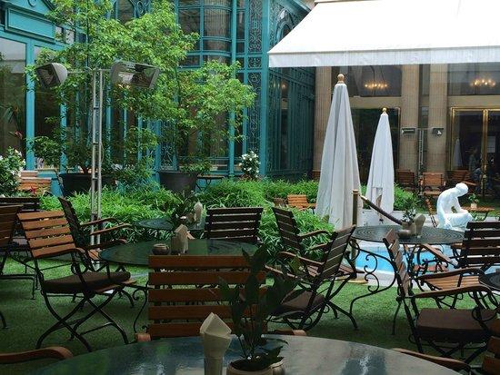 The Westin Paris - Vendome: La Terrasse - courtyard restaurant