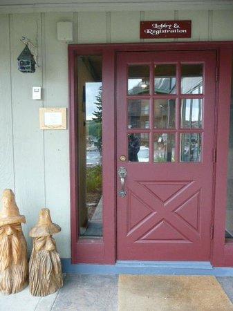 The Nordic Inn : Front Door