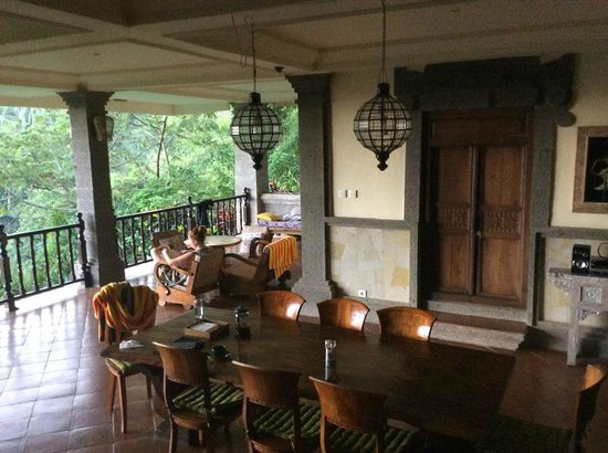 Villa Awang Awang: On the downstairs balcony/dining area