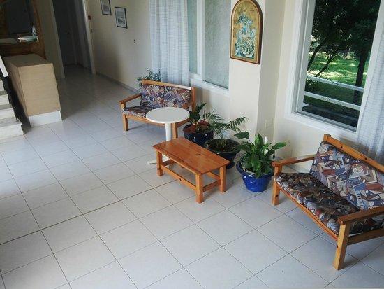 Saint Georges House Hotel: the lobby
