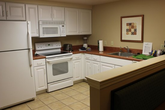The Suites at Hershey: Kitchen