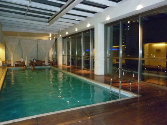 Hotel Madero: Pileta techada
