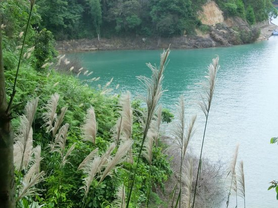 Wanlv Lake: beautiful colour of the water