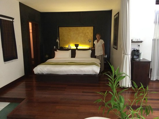 Heritage Suites Hotel: The bed