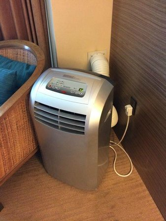 Hyatt Regency Monterey Hotel and Spa on Del Monte Golf Course: The in-room air conditioning - a free-standing unit!