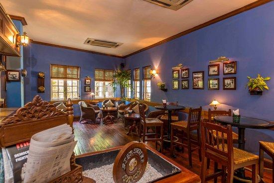 Savoy Hotel Yangon : Captains Bar