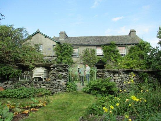 Hill Top, Beatrix Potter's House: Vegetable garden and Beatrix Potter's house