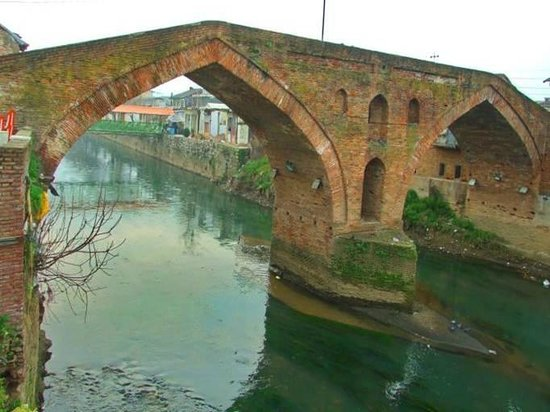 Chaboksar, Iran: Langrood old bridge