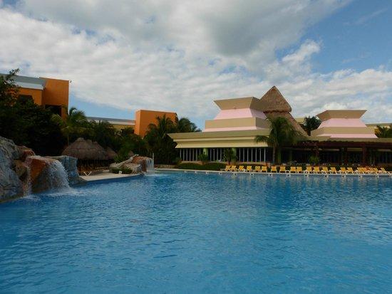 Iberostar Paraiso Lindo: pool