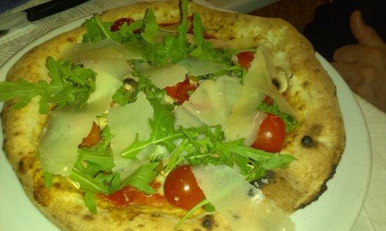 Pizzeria Miramare : pizza rucola
