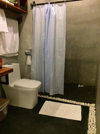 Monsoon Boutique Hotel : bath room
