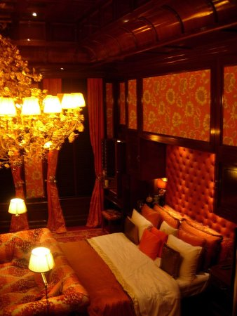 Hotel Estherea: Orange suite