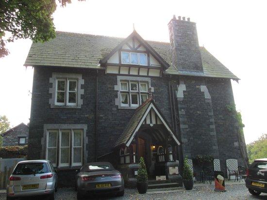 Sawrey House Hotel Restaurant: Front of Sawrey House Hotel