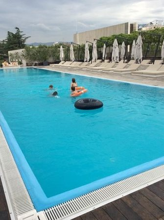 Holiday Inn Tbilisi: great outdoor pool