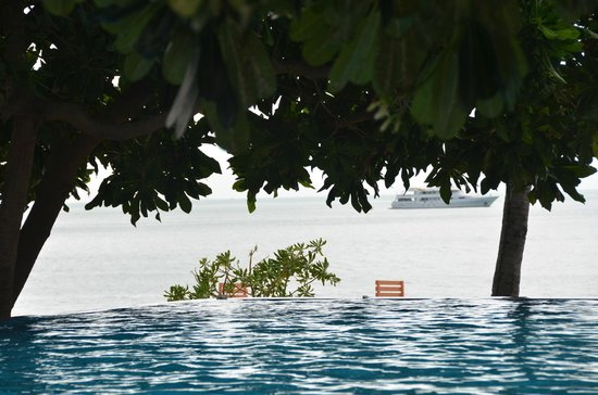 New Star Beach Resort: From the pool to the beach