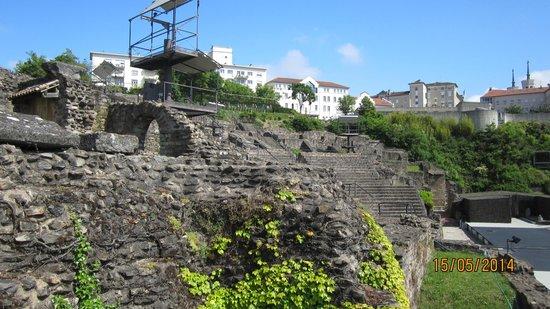 Colline de Fourvière : More ruins