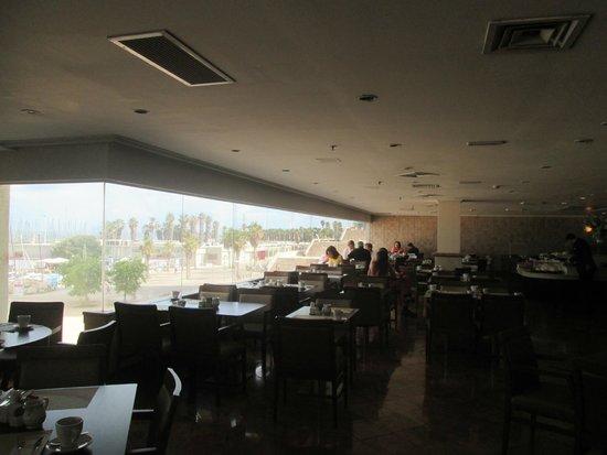 Crowne Plaza Tel Aviv Beach: Super Breakfast