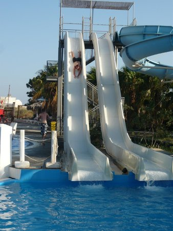 Perissa, Greece: slide!