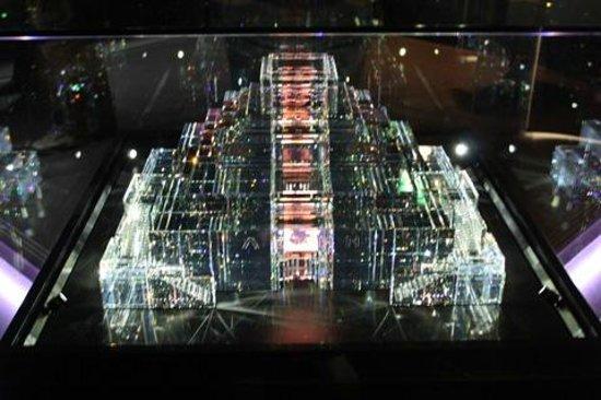 Swarovski Crystal Worlds: мавзолей
