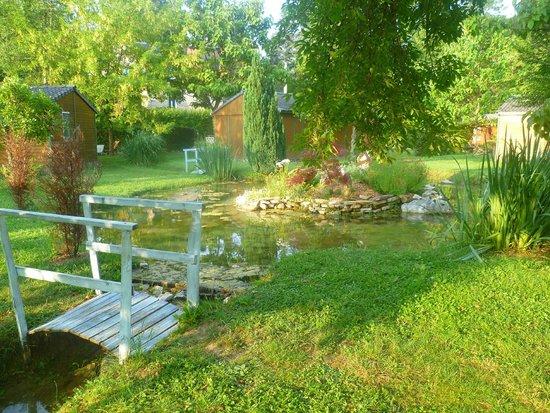 Table de jardin picture of le clos du moulin terrasson for La table du jardin