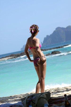 Phi Phi The Beach Resort: Рай ,у подножия этого замечательного отеля