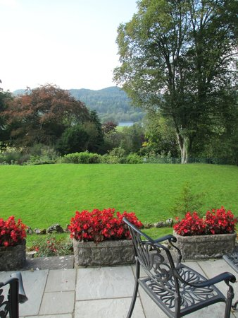 Sawrey House Hotel Restaurant: Magic views from outdoor terrace