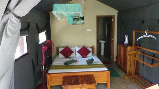 Athgira River Camping: Cabin interior