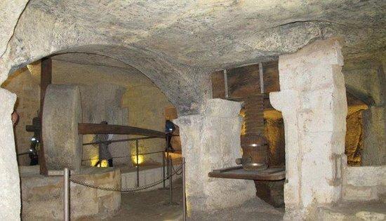 Interno del Frantoio Ipogeo di Giurdignano
