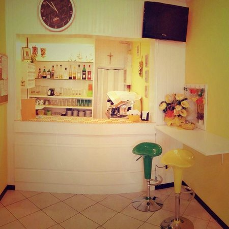 Hotel Zenit: bar e hall