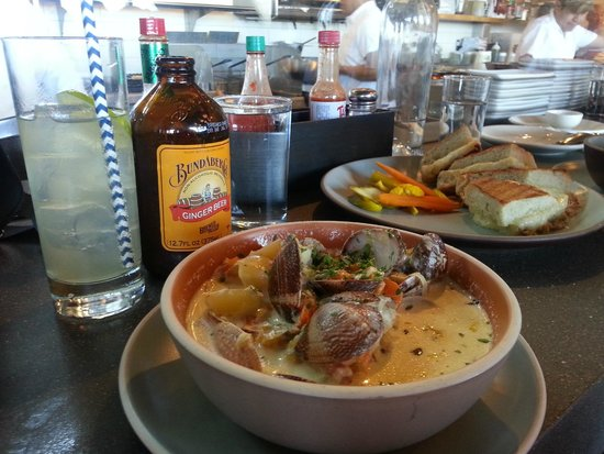 Hog Island Oyster Company: Clam chowder, grilled cheese sandwich ...