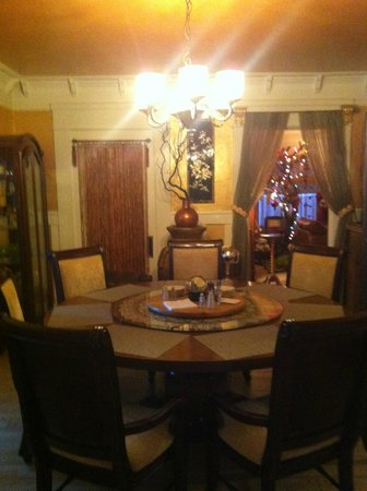 Hollywood Bed & Breakfast: seating area