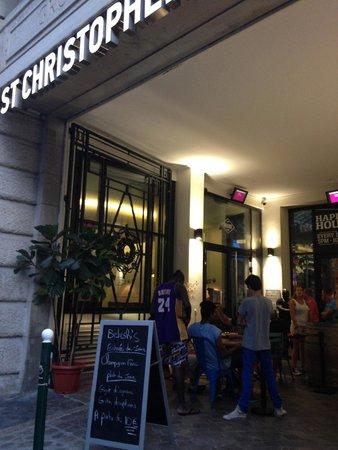 St Christopher's Gare du Nord Paris : entrance