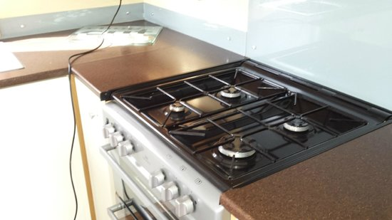 Waterside Holiday Park - Park Holidays UK: clean cooker