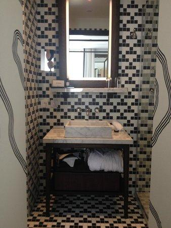 The Chess Hotel: La salle de bain