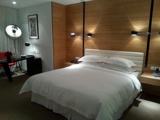 Himalayas Qingdao Hotel: Bedroom