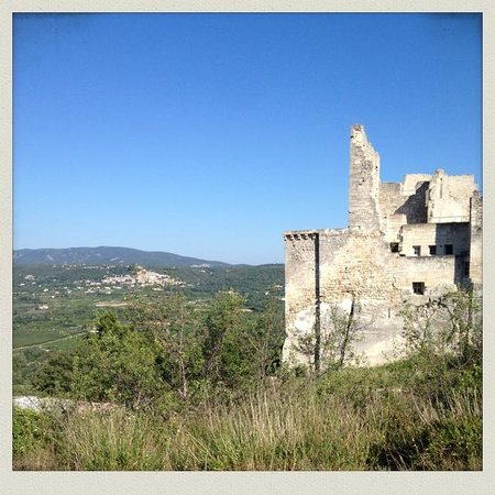 One Day in Provence - Day Tours : marquis de sade castle lacoste