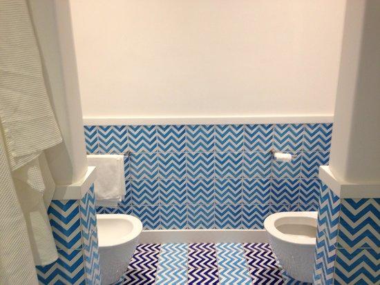 Hotel Tramonto d'Oro: Another bathroom virw