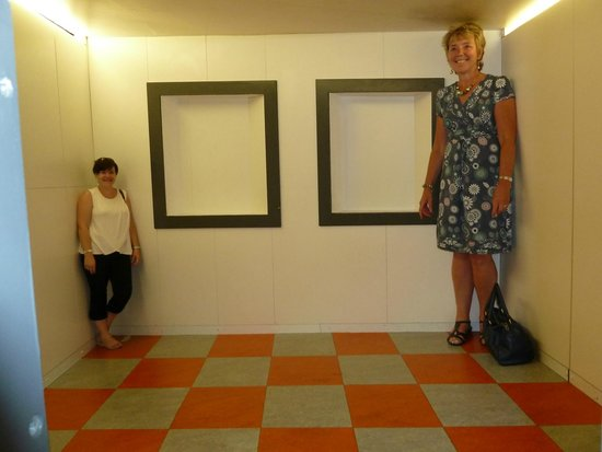 Camera Obscura and World of Illusions: Felt like Alice in Wonderland!