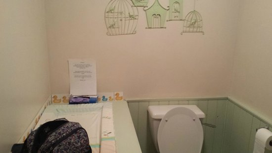 The Dabbling Duck: Even the washroom was lovely!