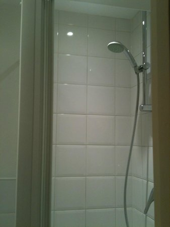 Swinton Hotel: Shower