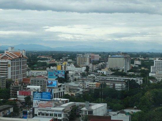 Duangtawan Hotel Chiang Mai: View of the city