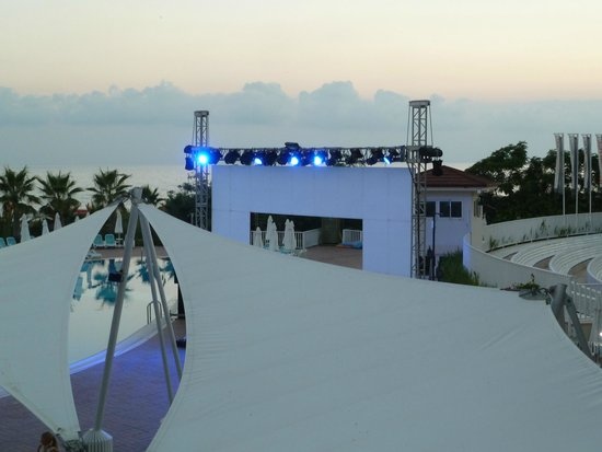 Paloma Oceana Resort: soirée mapping good dj