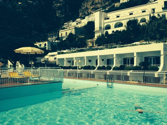 Hotel Tramonto d'Oro: Pool view