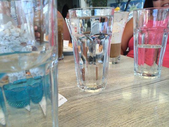 Remezzo: Glass of water