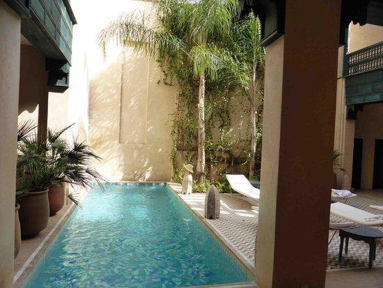 Hotel & Spa Riad Dar Bensouda: une (petite) piscine très agréable après un tour dans la médina