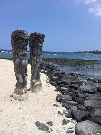 Pu'uhonua O Honaunau National Historical Park : Love this spot.