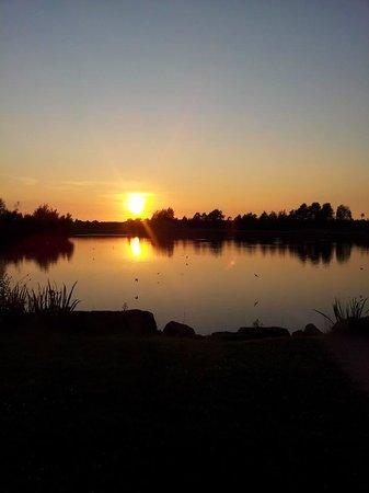 Stanley Villa Farm Camping: The Lake at NIght
