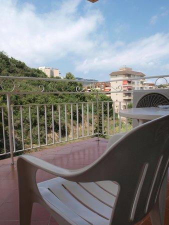 Hotel Catalonia: Балкончик