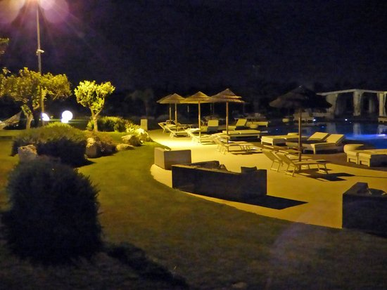 Hotel Borgo Pantano: bordo piscina