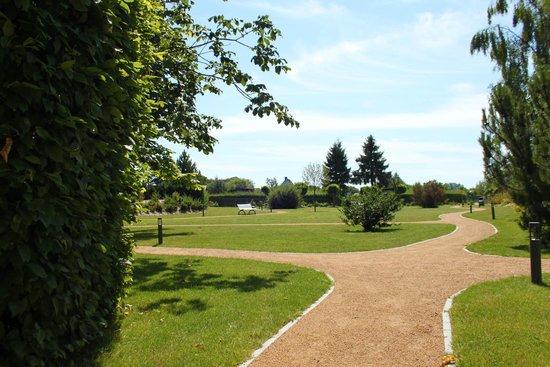 Hotel Nautic: Blick in den Garten